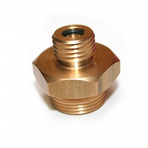 Mezikus pro redukční ventil a bombičku
